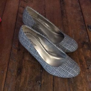 Dexter Shoes - Women's Dexter Grey Kylie Wedges
